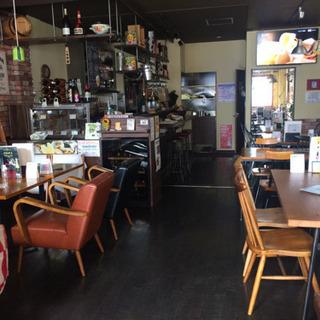 オシャレなカフェで働きませんか⁉️接客、調理補助 大募集♪時給 9...