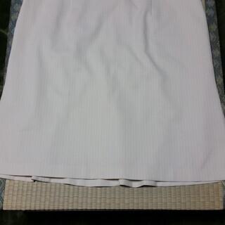 【大きいサイズ】 白(ベージュよりの色味)のスカート【W8…