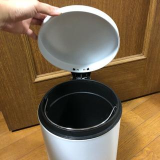 ペダルペール ベレット ゴミ箱 5L ホワイト  差し上げます − 東京都