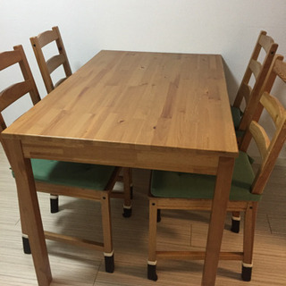 IKEA ダイニングテーブル 椅子4脚 クッション付き