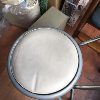 折りたたみ イス 椅子 足場 踏み台 白 座面高約80センチ - 大和市
