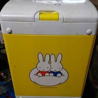 赤ちゃんのオムツゴミ箱