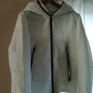 白のダウンジャケット サイズXL