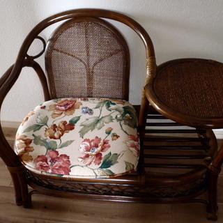 籐製のソファとサイドテーブル一体型★デパートで購入