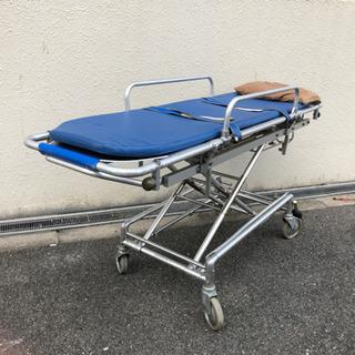 介護タクシー用ストレッチャー、リクライニング車椅子