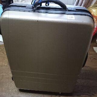 スーツケース(鍵あり中古、キャスタージャンク)