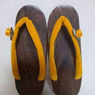 美品✨「総桐」木目に花🌸付き黄色い鼻緒の浴衣用 ゲタ  22cm...