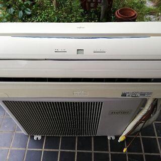 富士通中古エアコン 2.2kw 配達·取付工事込み 訳有り