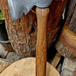 日本にない3役機能装備の米国キャンプ用手斧 キャンプ、薪割り