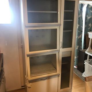 キッチン 食器棚 コンセント付き