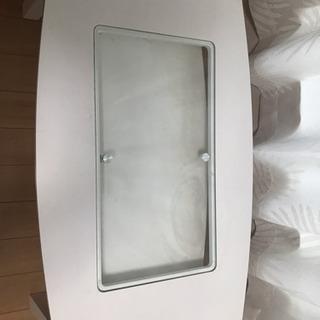 ガラス付き テーブル