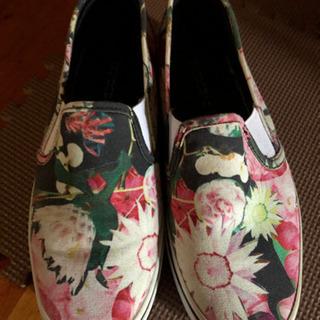 オシャレ花柄23.5 靴(やや厚底)値下げ