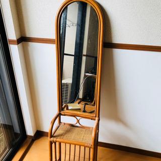 藤の壁掛けミラー(姿見・ドレッサー)
