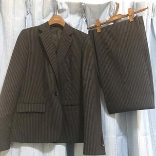 レディースパンツスーツ 紺色ストライプ