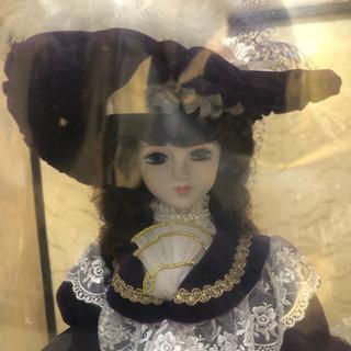 フランス人形(ケースつき)