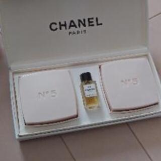 値下げ↓未使用 N゜5サヴォン シャネルの固形石鹸 ミニ香水付き
