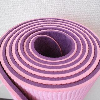 ■美品・ヨガマット 格安:軽量 ピンク色 一枚限り 週末限定価格