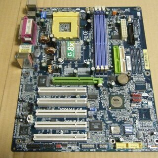 ギガバイトのマザーボード「GA-7VT600 1394(Rev:...