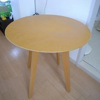 木製丸テーブル 直径60㎝  高さ60㎝ 多少傷有ります   値...