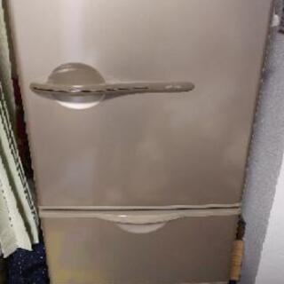 2005年製SANYO・3ドア冷蔵庫 SR-T267J ※取りに来...