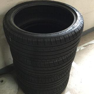 タイヤ 225/40R19