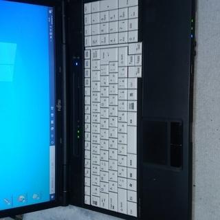 LIFEBOOK A561/DX Pentium B940 MEM...
