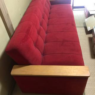 シングルベッドになるソファ 赤