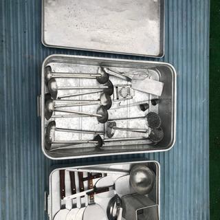 調理器具 厨房 レードル、ヘラなどステンレス製品や、アルミバットな...