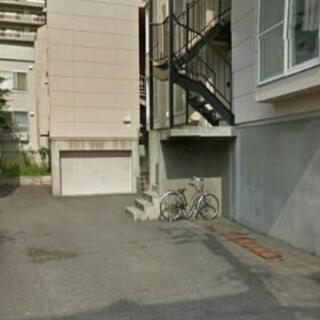 東札幌 バイク車庫