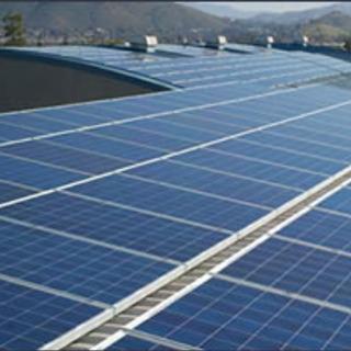 太陽光発電システム(屋上)設置組立作業
