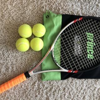 硬式テニスラケット+ボール