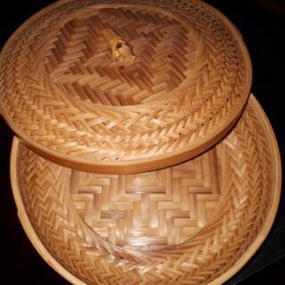 直径21センチ蓋付き竹籠