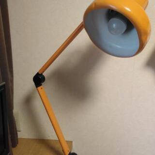【値下げ】レトロ ランプ 学習机、手作業に