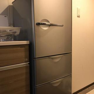 22日迄に引き取りに来て下さる方!SANYO冷蔵庫 201…