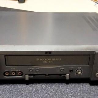 SHARP(シャープ) 3型液晶モニター付き Hi-Fiビデオデ...
