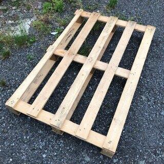 木製パレットを格安でお譲りします。☆100円商品 / DIY材料...