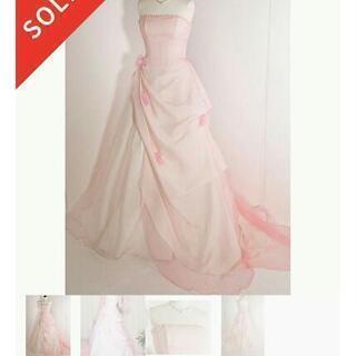 小振りの花が可愛い♪ピンクカラードレス