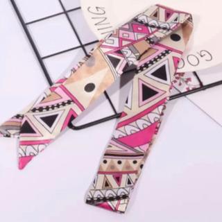 送料無料  新品 プッチ柄 幾何学模様 スカーフ ツイリー…