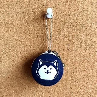 【ハンドメイド】柴犬柄の和風マカロンポーチ 紺色