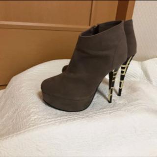 美品 ブーツ  22.5 S