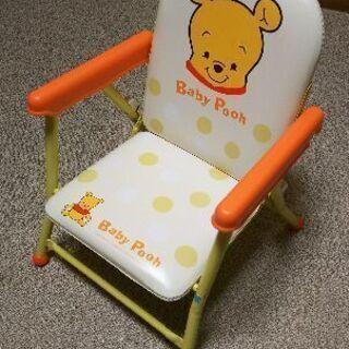 折り畳めるローチェア(テーブル付き)