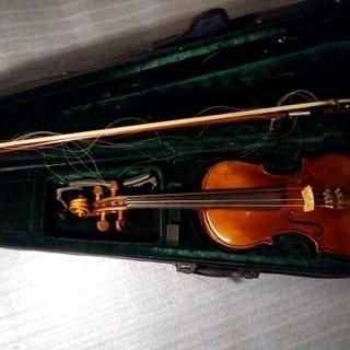 バイオリン4台、まとめて引き取ってくださる方に。