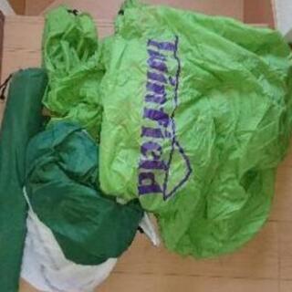 5.6人用テントと寝袋2つ