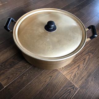 大きなアルミ鍋