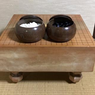 【やや美品】脚付き高級碁盤と碁石のセット