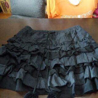 黒のミニスカート