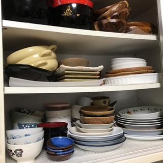 ※引っ越しのため※ 食器や鍋など色々あります!