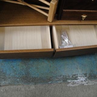 今だけチャンス!「ジモティー」見たよ~! で3,000円引きの6,980円! 書棚 本棚 ブックシェルフ フリーボード - 家具