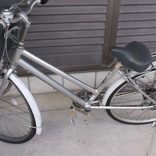 オートライト付き27インチ自転車外装6段ギア&前かご&リアキャリア付