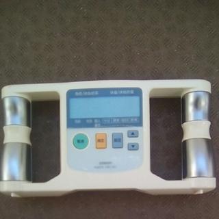 オムロン 体脂肪計 HBF-301